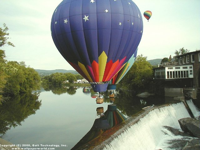 'Hot Air Balloon' 640x480 Free 3D Wallpaper